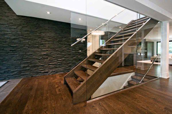 Solid Oak Tread Open Rise Western Stringer Glass Wall SSR