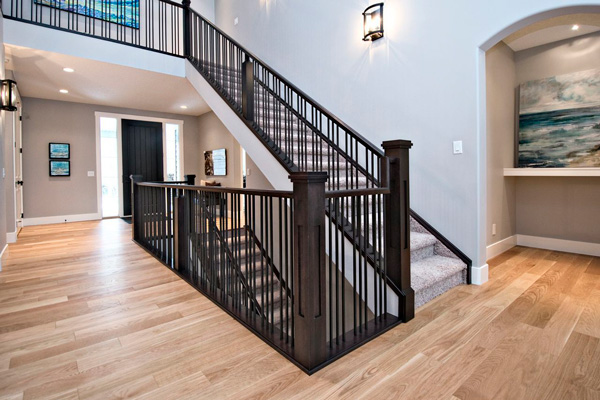 Carpeted Straight Stair with Metal Spindles SSR