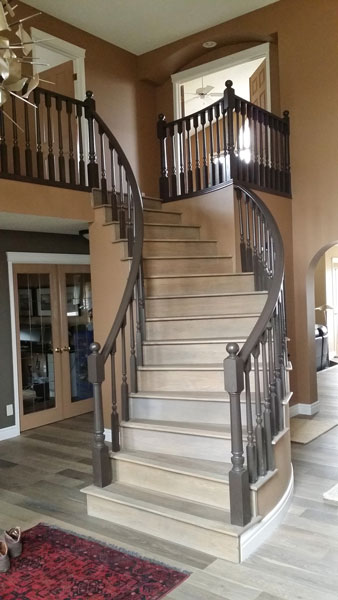 Curved Stair with Wood Spindles SSR