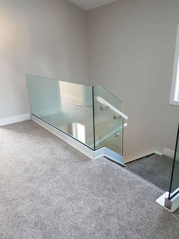 Glass Rail Ssr26 Spindle Stairs Amp Railings
