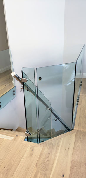Glass Rail with Stainless Steel Wallmount SSR