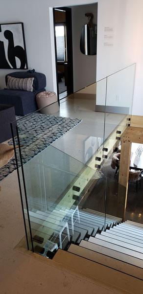 Glass Rail with Standoffs SSR