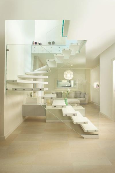 Glass Wall Freestanding Steps SSR