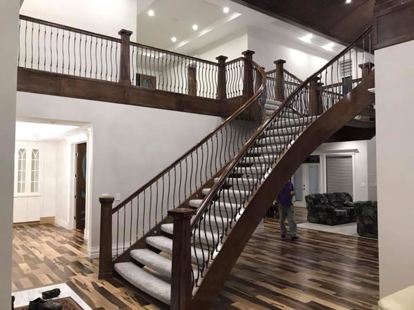 Open Riser Curved Stair with Iron Spindles SSR
