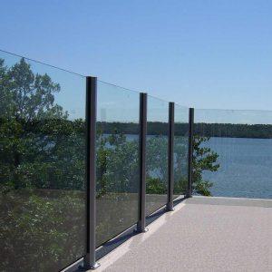 Frameless Glass Lake View
